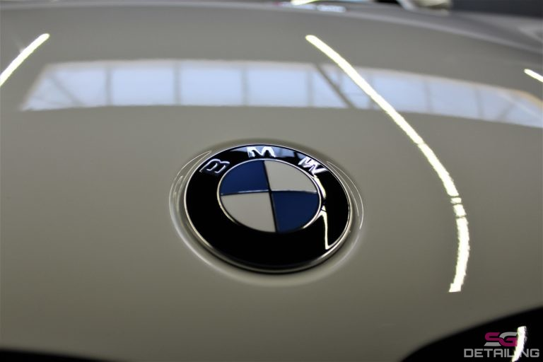 BMW 5 G30 znaczek biały powłoka ceramiczna szczecin